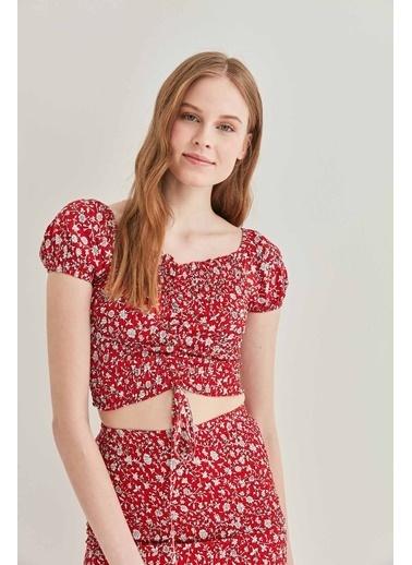 Vitrin Önden Büzgülü Gipeli Mini Bluz Kırmızı